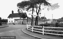 Orsett, Larkins Corner c.1960