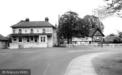 Orsett, Whitmore Arms And Birch Cottages c.1960