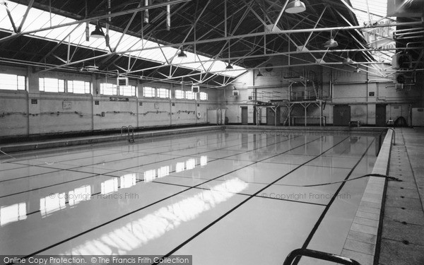 photo of oswestry the swimming pool francis frith