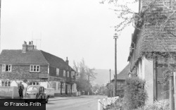 Otford, The Bull Inn, High Street c.1950
