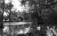 Otford, the Lake and Manor House c1955