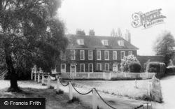 Otford, The Queen Ann Houses c.1955