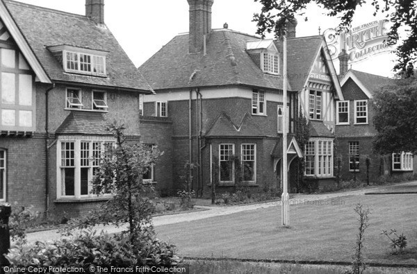 Ottershaw, the Meath School of Recovery c1955