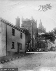 Ottery St Mary, Jubilee Monument 1906
