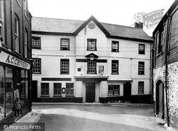 The Kings Arms Hotel c.1960, Ottery St Mary