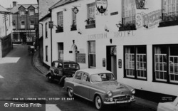The London Hotel c.1960, Ottery St Mary