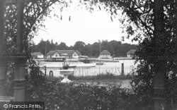 Oulton Broad, A Cameo c.1939