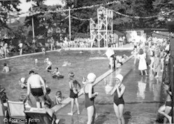 Oulton Broad, Swimming Pool, Nicholas Everitt Park c.1950