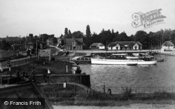 Oulton Broad, The Village c.1939
