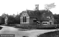 Outwood, Schools 1906