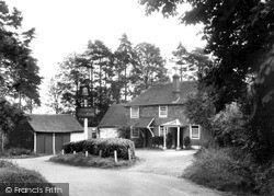 Outwood, The Bell Inn c.1955