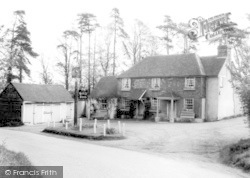 Outwood, The Bell Inn c.1960