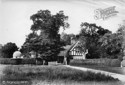Outwood, The Lodge To 'ashcroft' And W.H. Maw's Observatory 1906