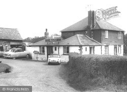 Outwood, The Prince Of Wales c.1965