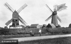 Outwood, The Windmills 1906