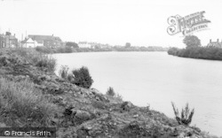 The River c.1960, Owston Ferry