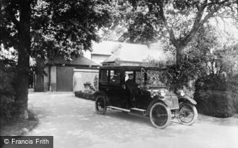 Oxford, Lanchester Car and Chauffeur, Apsley Paddox 1913