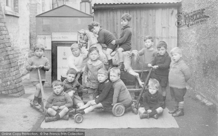 Photo of Oxford, Summerton Infant's School Children 1924
