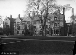 Oxford, The West Building, Somerville College 1933