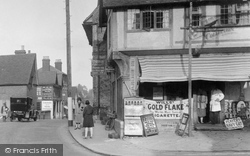Shop 1928, Oxted