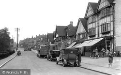 Station Road East 1932, Oxted