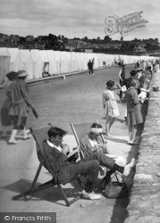 Paignton, At Leisure On Preston Promenade 1922