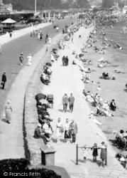 Paignton, The Esplanade 1922