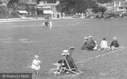 Paignton, The Green, Man And Toddler 1928