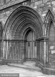 Paisley, Abbey Doorway 1960