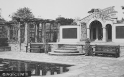 Palmers Green, Broomfield Park Garden Of Remembrance c.1960