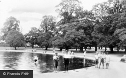 Palmers Green, The Yacht Pond, Broomfield Park c.1960