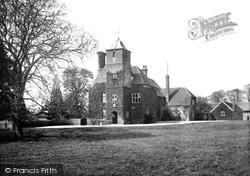 Panfield, Hall 1906