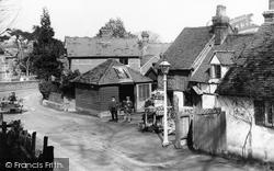 "Pangbourne, ""Old Berkshire"" 1910"