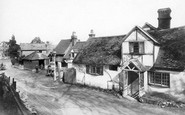 Pangbourne, Old Mill And Cottage 1910