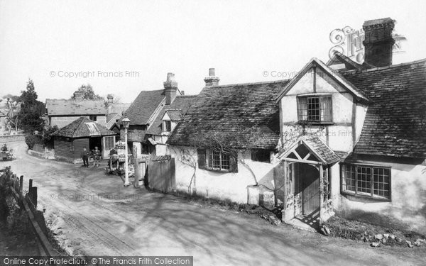 Pangbourne,Old Mill and Cottage 1910,Berkshire