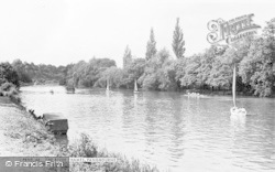 Pangbourne, The River Thames c.1960