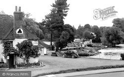 Pangbourne, The Weir From Swan Yard c.1955