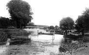 Pangbourne, Whitchurch Bridge 1890