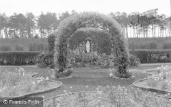 The Grotto 1939, Pantasaph