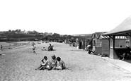 Par, Beach Huts 1938