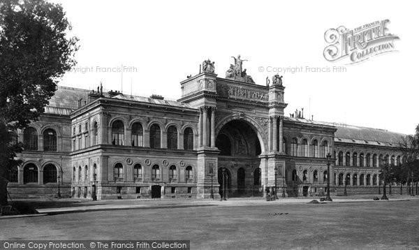 Photo of Paris, Champs Elysees, Palais De L'industrie c.1871