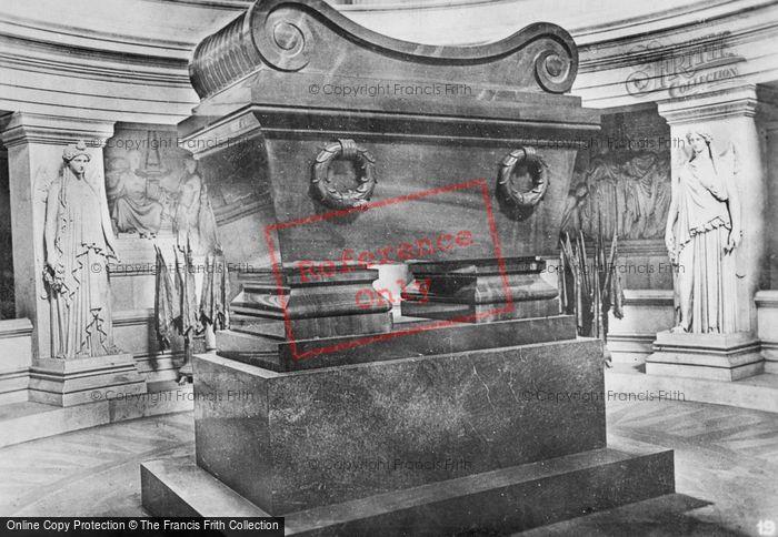 Photo of Paris, Tomb Of Napoleon c.1920