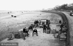 Loading Mussels 1939, Parkgate