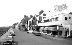 The Parade 1965, Parkgate