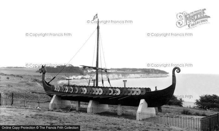 Hugin viking ship photo