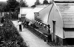 Pell Wall Hall, Gardeners 1911, Pell Wall