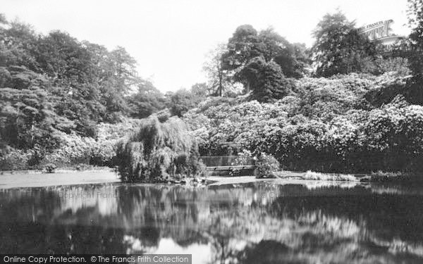 Photo of Pell Wall Hall, The Lake 1911