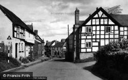 Pembridge, New Inn Corner c.1955