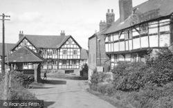 Pembridge, The Market Place And New Inn c.1955