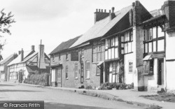 Pembridge, The Swan Inn c.1955